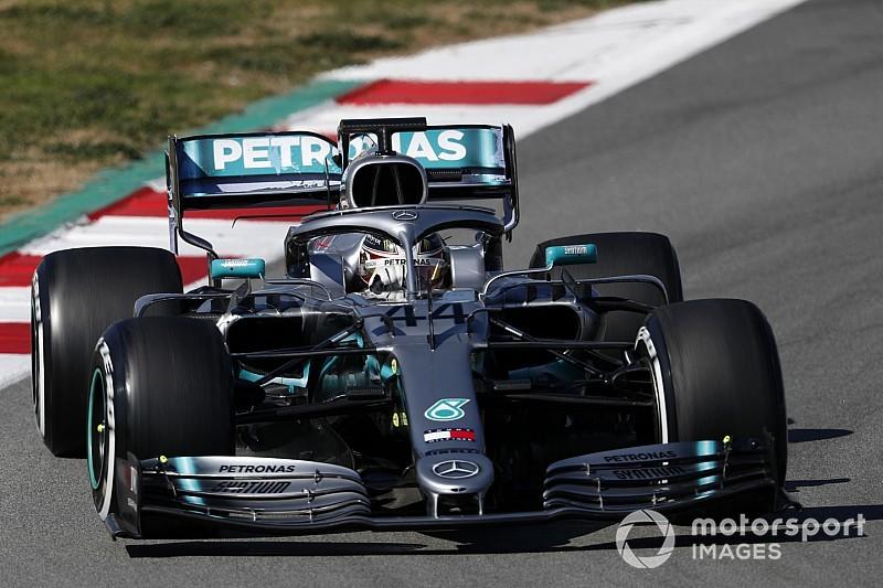 Mercedes baalt, maar Hamilton spreekt wel van 'verbeterde auto'