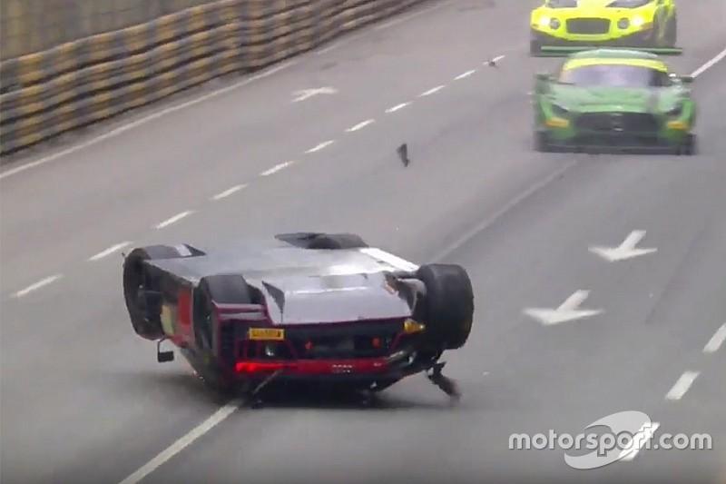 GT-Weltcup in Macau: Abbruch nach heftigem Unfall von Laurens Vanthoor