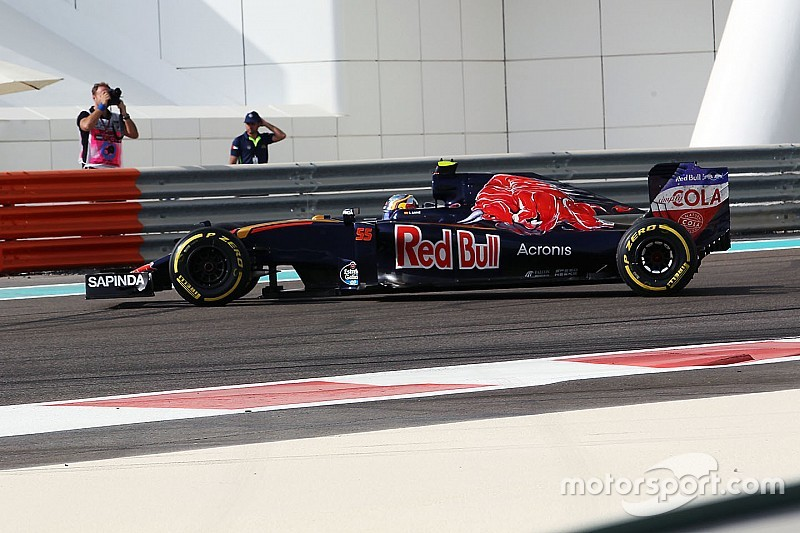 """Sainz says Toro Rosso's weekend """"a disaster"""" so far"""