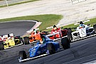 Fórmula 4 Nenhum piloto completa em prova bizarra da F4 em Sepang