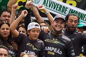 """Stock Car Brasil Últimas notícias """"Vivendo um sonho"""", Fraga destaca trabalho do time em 2016"""