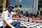 Brutális gyűrűt kapott Alonso Indianapolisban