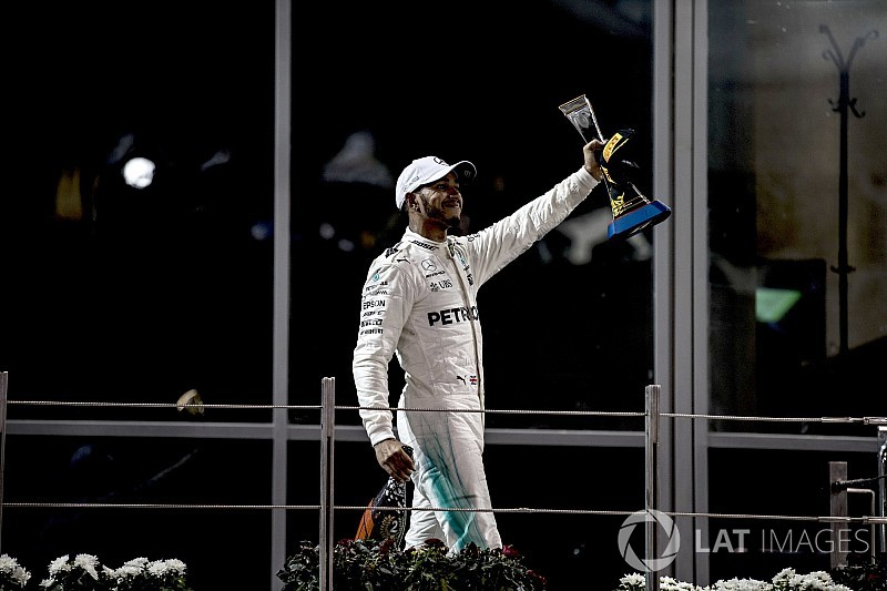 Hamilton: İdolüm eski F1 pilotları değil, Muhammad Ali'ydi