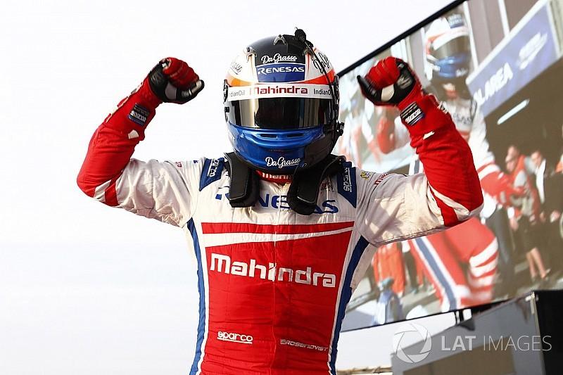 Rosenqvist arrebata el triunfo a Buemi en las últimas vueltas