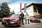Леклер и Эрикссон съездили в гости к Alfa Romeo: фото
