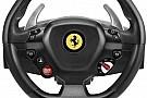 Ferrari-kormánnyal támadhatunk szimulátorozás közben