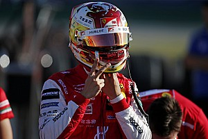 A Ferraritól igazolt versenyzőt a Renault F1 Team