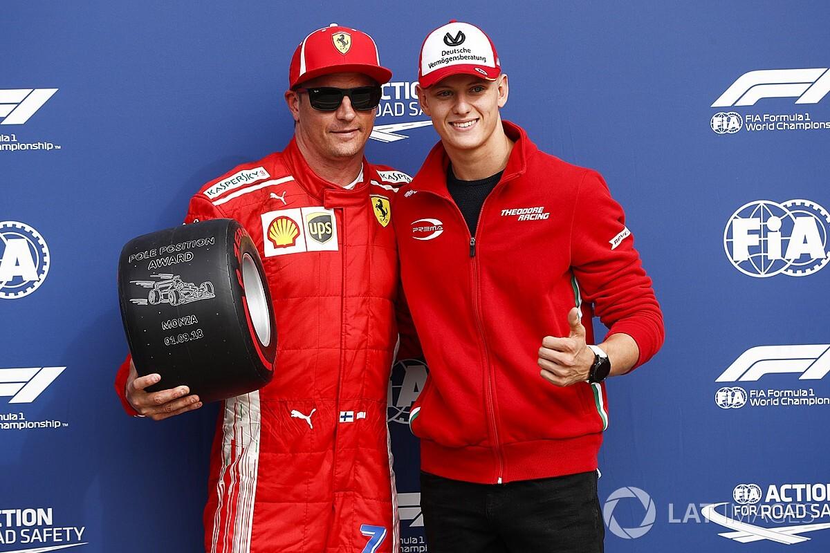 Raikkonen blijft koel, Vettel geheimzinnig over radiobericht