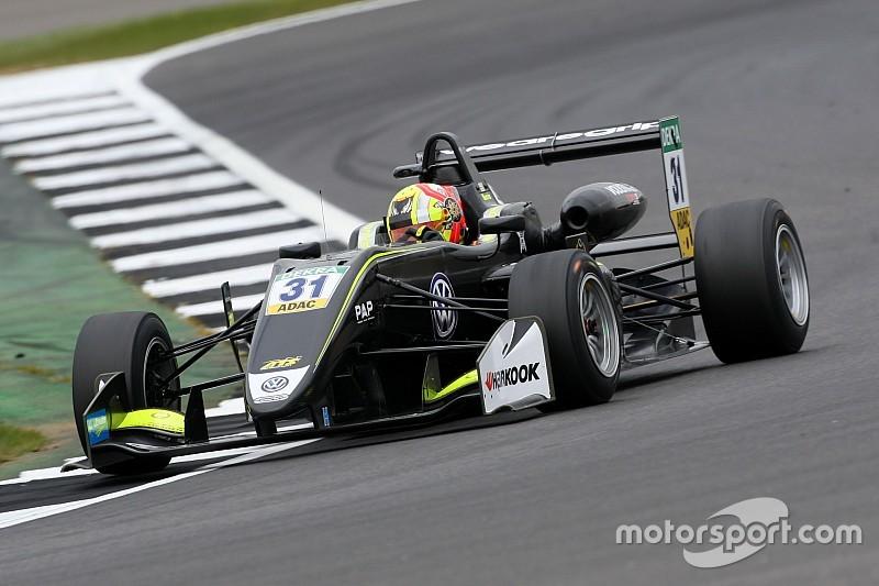 Норрис выиграл первую гонку Ф3 в Сильверстоуне, Шумахер – 8-й