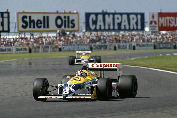 Video: How Mansell beat Piquet in famous Silverstone duel