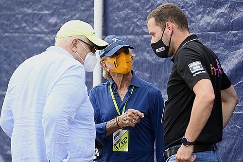 Emerson Fittipaldi Sebut Gila Kalender Formula 1 2022