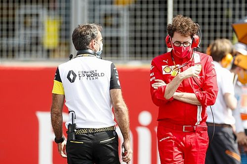 """Briatore detona falta de liderança na Ferrari: """"É como exército sem capitão"""""""