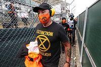 Polícia prende manifestantes após protesto ambiental durante largada do GP da Grã-Bretanha