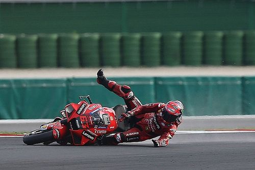 """Rossi """"a bit angry"""" with Bagnaia's Misano MotoGP tyre choice"""