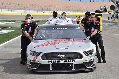 Cole Custer's crew chief suspended for lug nut violation