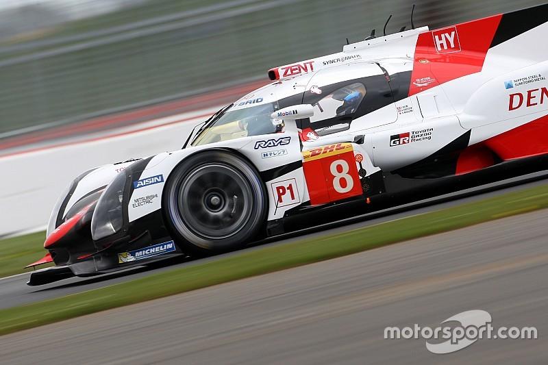 Toyota mantiene el dominio en Silverstone