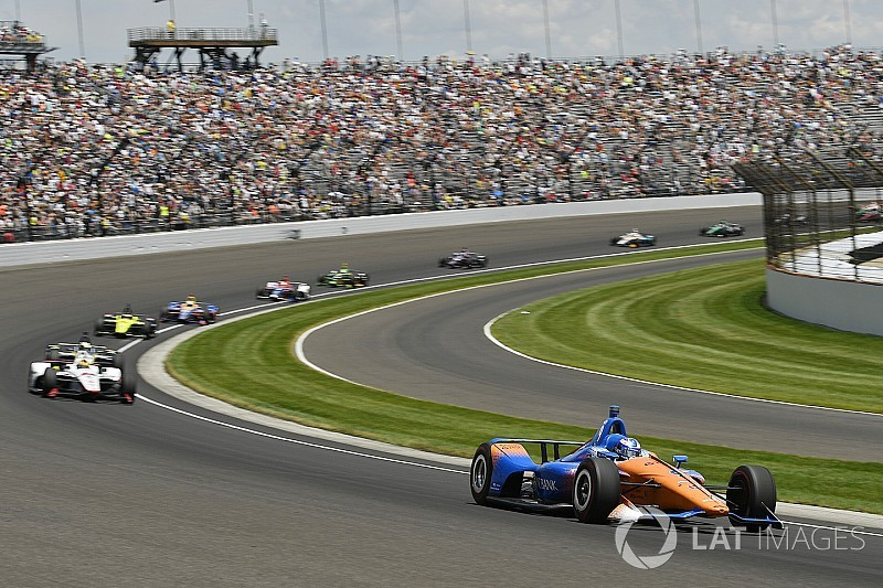 Bad restarts hurt our Indy chances, says Dixon