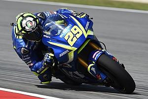 MotoGP Репортаж з практики Гран Прі Валенсії: першу практику виграв Янноне