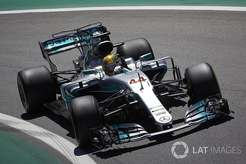 """Astonishing"" Hamilton could have won in Brazil - Wolff"