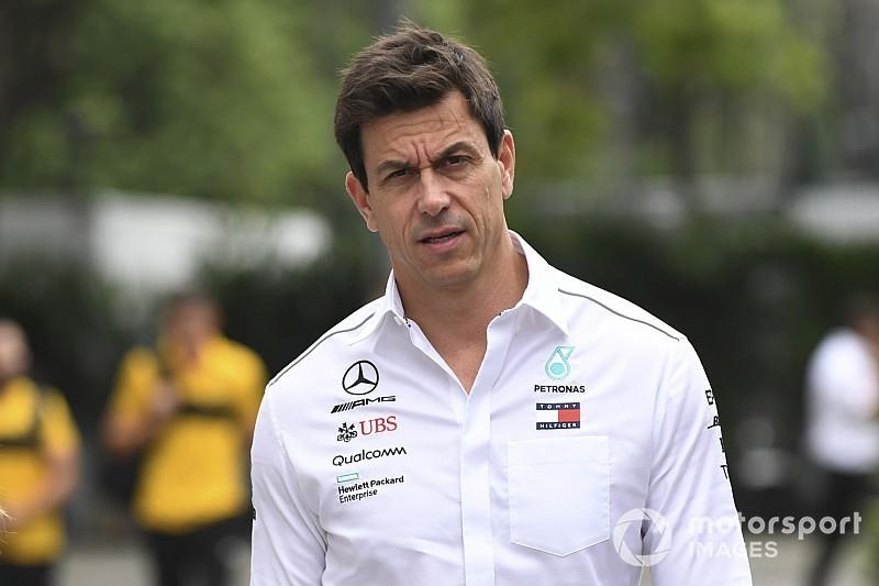 """Wolff diz que F1 """"precisa"""" de teto de gastos"""