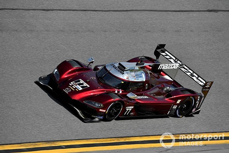 Mazda vence a los Acura por la pole en Daytona