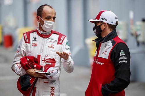 Kubica is autóba ül a Hungaroringen a pénteki szabadedzésen