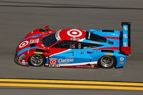 Hour 2: Dixon leads, but DeltaWing closing