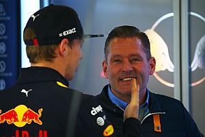 Após punição, Jos Verstappen acusa FIA de ajudar Ferrari