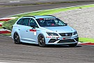 Seat Leon Cup Test Seat Leon ST Cupra Cup: entry level, ma di lusso
