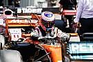 McLaren rompe el parque cerrado y Button saldrá desde el pitlane