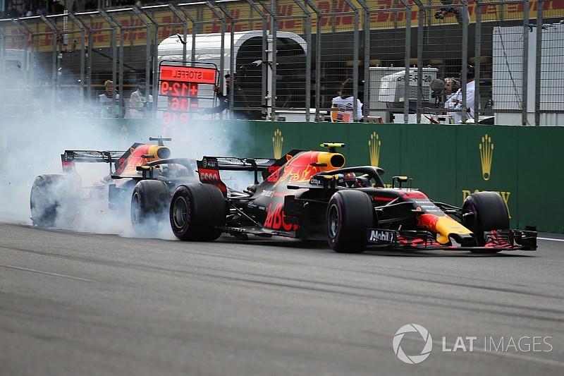 Vídeo y fotos: el accidente de los Red Bull, protagonistas en Bakú