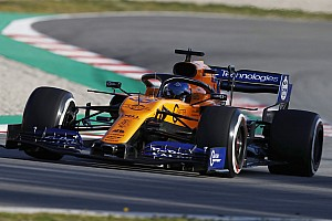 Sainz: McLaren should be