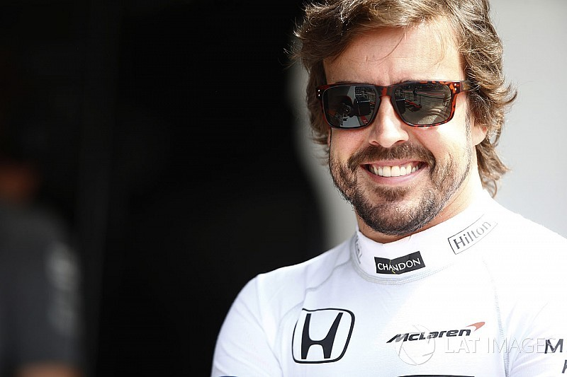 Alonso'dan Ferrari cevabı: Eylül'de konuşalım