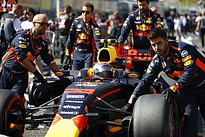 Формула 1 Комментарий Ферстаппен: Трудности сблизили нас с Red Bull