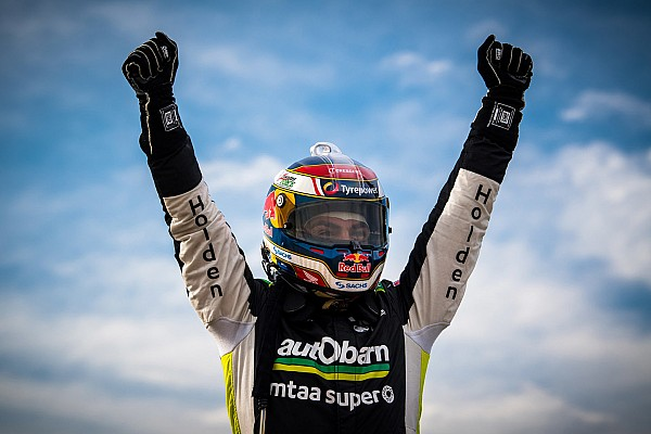 Supercars Отчет о гонке Лаундес выиграл первую за полтора года гонку Supercars