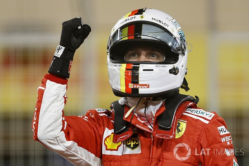 Vettel y Ferrari vuelan en la noche de Bahrein