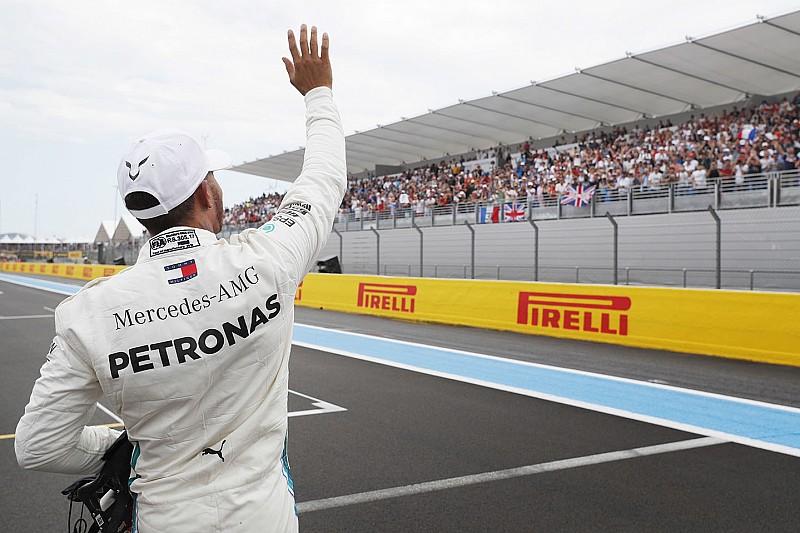 Hamilton scherzt: