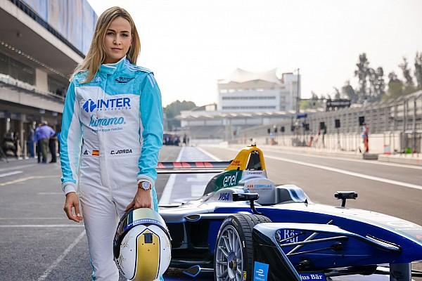 VIDEO: Aksi Carmen Jorda menggeber mobil Formula E