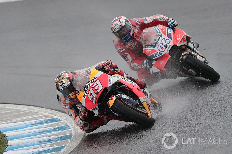 "Dovizioso ""relaxed"" about ""strange"" Marquez title battle"