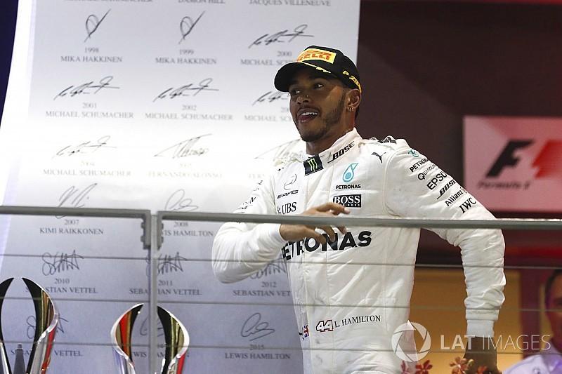 Hamilton egyszerre agresszív és óvatos, bejön neki ez a formula
