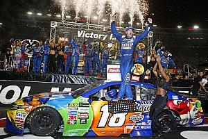 NASCAR Cup Relato da corrida Kyle Busch 'varre' fim de semana da NASCAR pela segunda vez