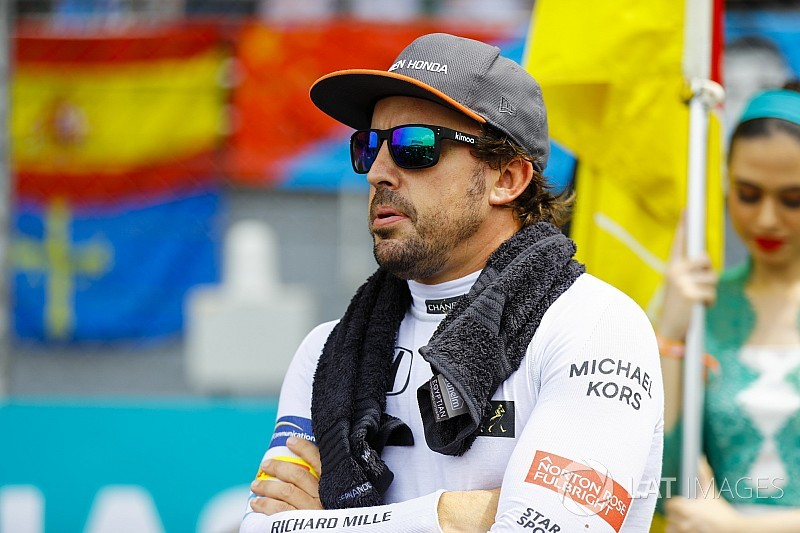 2018 renault f1 engine. simple 2018 red bull win puts pressure on mclaren for 2018  alonso inside renault f1 engine