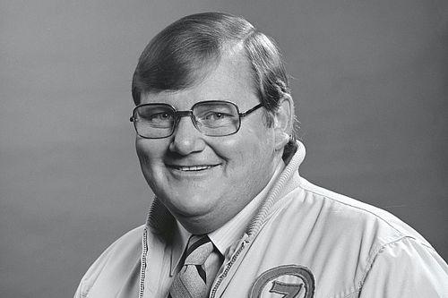 Australian broadcasting legend Mike Raymond dies