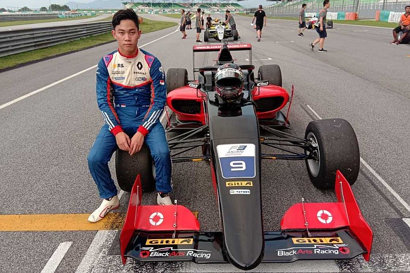 Presley Martono akan berlaga di ronde perdana F3 Asia