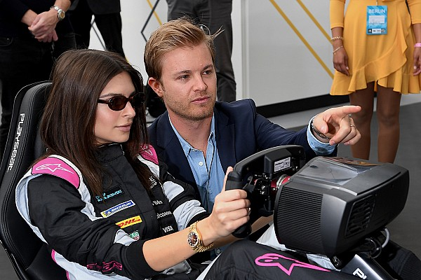 VIDEO: Rosberg volvió a pilotear en un circuito