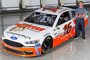 NASCAR Cup Breaking news Hooters comes back to NASCAR with Alan Kulwicki throwback scheme