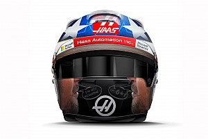 Grosjean rinde homenaje a Nicky Hayden con un casco especial