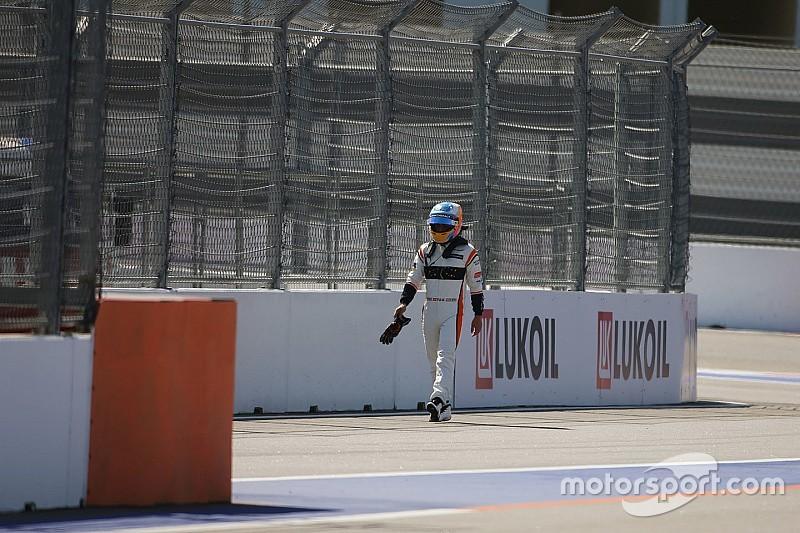 """Alonso est """"triste"""" mais a toujours des rêves en F1"""