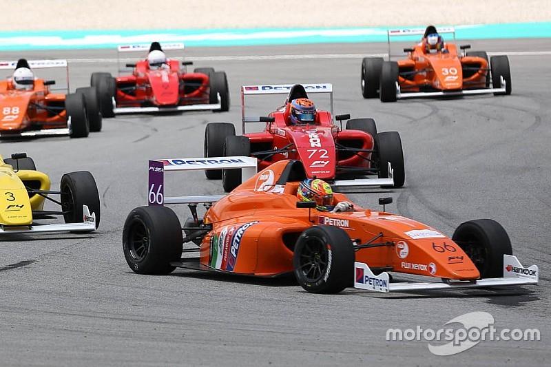 F4 SEA Sepang: Drama bensin di Race 3, semua pembalap gagal finis