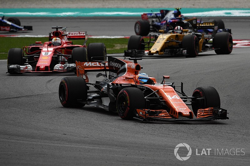 """Alonso ironiza crítica de Vettel: """"Já ouvimos muitas vezes"""""""